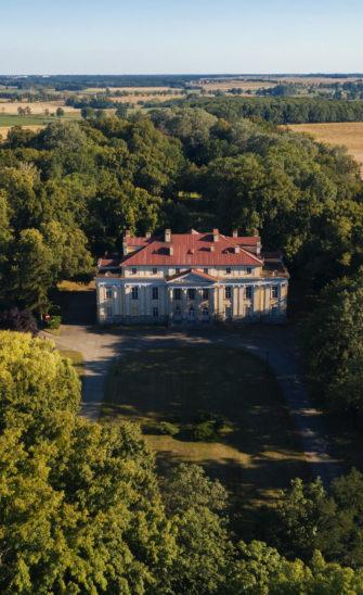 Zespół pałacowo-parkowy w Objezierzu